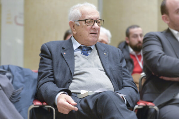 "Intervista a Luigi Berlinguer: ""Sui gay la Chiesa sbaglia, il Vaticano teme un rischio inesistente"""