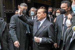 Berlusconi al Quirinale, una strada piena di cecchini pronti a sparare: procure e non solo contro il Cav