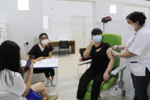 Coronavirus, nuovi casi oltre quota mille per il terzo giorno consecutivo: calano ricoveri e terapie intensive