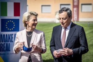 Von der Leyen benedice il Pnrr di Draghi e zittisce il Vaticano