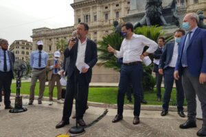 Matteo Salvini e Gian Domenico Caiazza alla manifestazione per separazione delle carriere nella magistratura in Piazza Cavour., Roma.