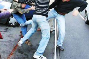 Aggredito in strada perché omosessuale: teppisti gli spengono sigarette sul braccio