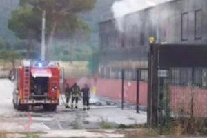 Palamaggiò in fiamme, danni a palestra e uffici: ipotesi dolosa