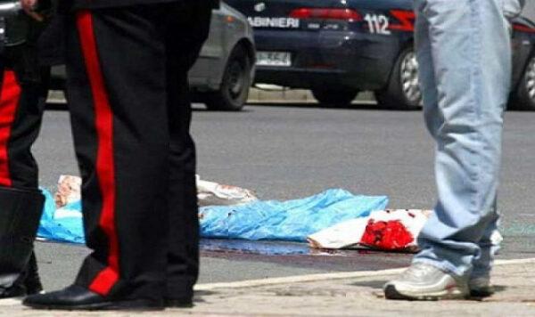 Agguato davanti alla chiesa, 35enne ucciso in pieno giorno: è faida a Torre Annnunziata