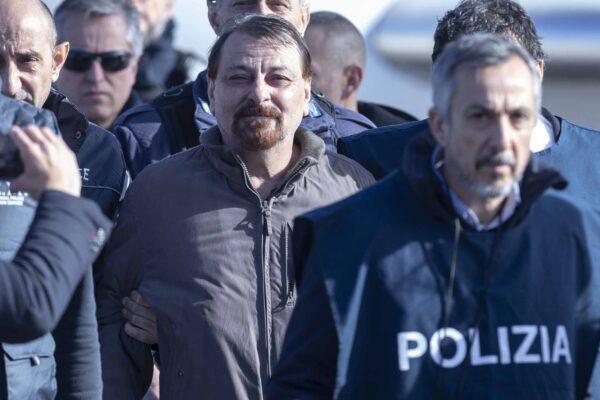 """Il dramma di Cesare Battisti: """"Farò lo sciopero della fame fino alla morte"""""""