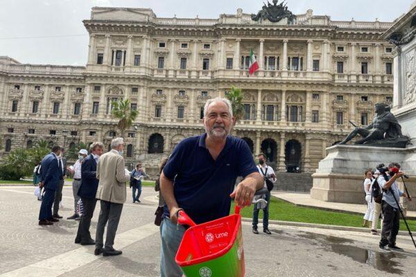 Giuseppe Lobefaro in campo con la lista civica a sostegno di Calenda