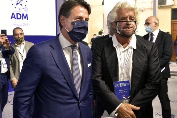 Conte e Grillo trovano l'accordo: rinunciano a tutto ma non al potere