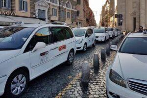 Roma, ecco le nuove tariffe taxi: corse più care ma servizio migliorato