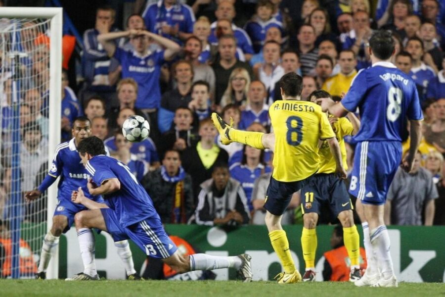 Semifinale Champions League 2008.09: il gol di Iniesta nei minuti finali di Chelsea-Barcellona consente ai blaugrana di pareggiare (1-1) e ottenere il pass per la finale dopo lo 0-0 dell'andata