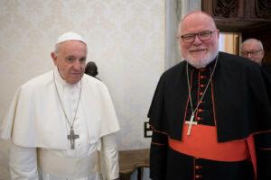 """Scandalo pedofilia, il cardinale Marx si dimette e accusa: """"Chiesa a un punto morto, è un fallimento istituzionale"""""""