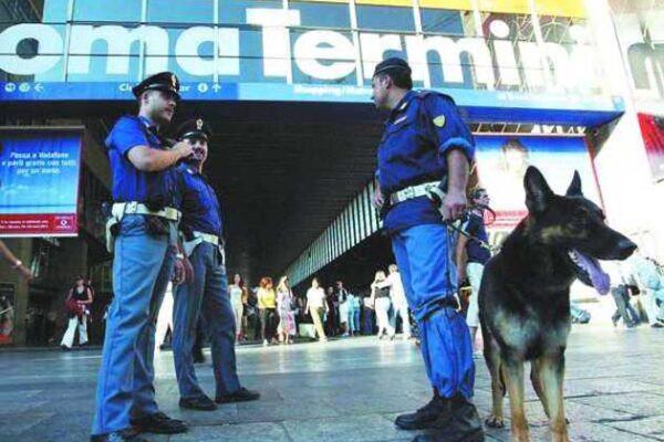 Controlli della Polizia a Termini (foto di repertorio)