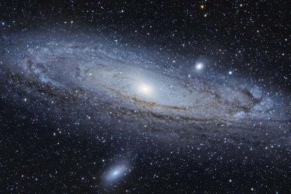"""""""Il telescopio  della letteratura"""", lo sguardo degli scrittori verso lo spazio"""