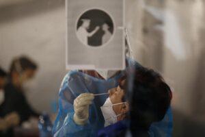 Coronavirus, tornano a salire ricoveri e tin come la positività: 2.072 nuovi contagiati
