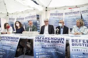 """Referendum sulla giustizia, è record di firme: """"100mila nei primi due giorni"""""""