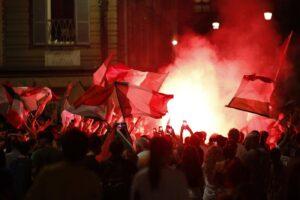 Euro 2020, salgono sul tettuccio del bus dopo Italia – Spagna. Identificati e denunciati