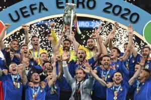 Italia sul tetto d'Europa, Donnarumma para l'Inghilterra: secondo titolo dopo 53 anni