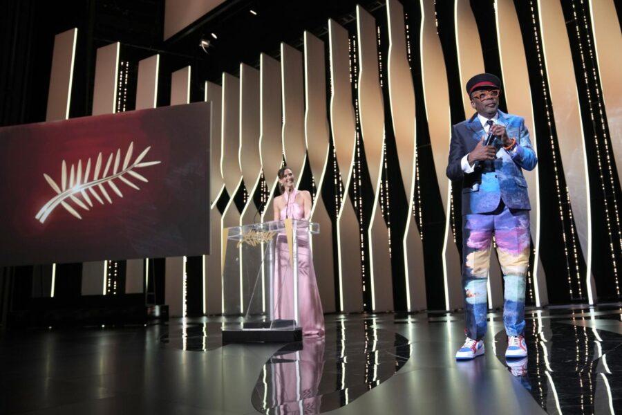 """Cannes, Palma d'oro a """"Titane"""" di Doucournau: Spike Lee sbaglia tutto alla premiazione"""