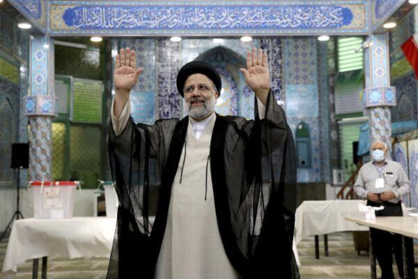 """""""Libertà e diritti in Iran"""", ma l'Unione Europea si sfila"""