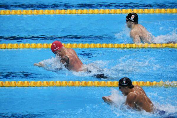 Nuoto azzurro da leggenda: storico argento nella staffetta, Martinenghi bronzo nella rana: