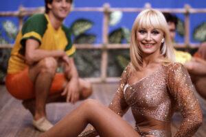 """© LaPresse Archivio storico 1985 Spettacolo Raffaella Carrˆ Nella foto: la showgirl Raffaella Carrˆ durante la trasmissione """"Pronto Raffaella"""""""
