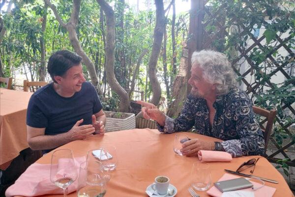 Tra Conte e Grillo pace di facciata, l'ex premier sogna il suo partito