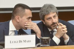 """Appello di 19 senatori a Grillo e Conte: """"Fate pace o scompariremo"""", ma Fico è Di Maio ancora non hanno deciso con chi stare…"""