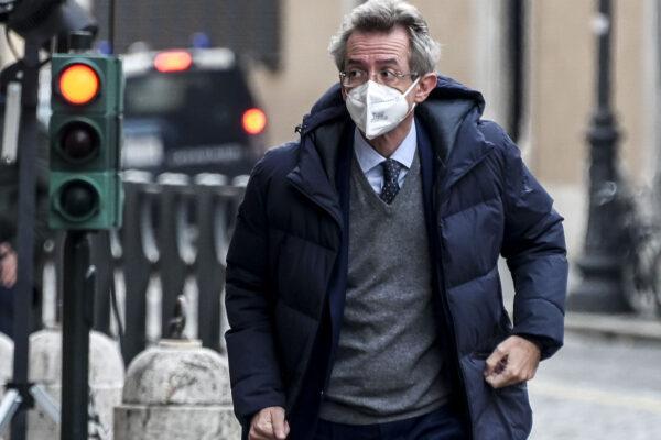 Ecco perché anche a Napoli i riformisti devono liberarsi dei grillini