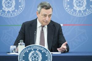 La folle idea della sinistra di far cadere Draghi…