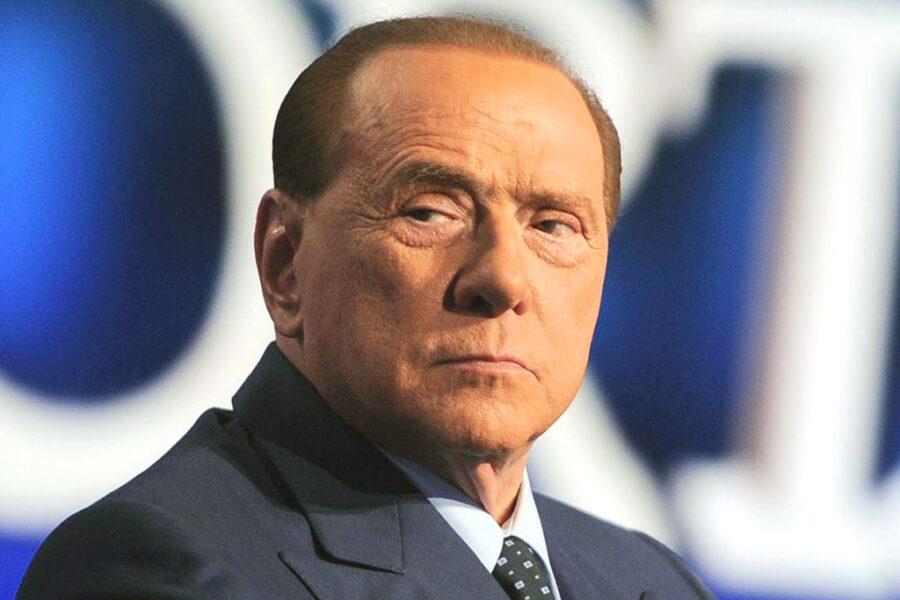 Perizia psichiatrica contro Berlusconi, i Pm volevano mandare il Cav al manicomio