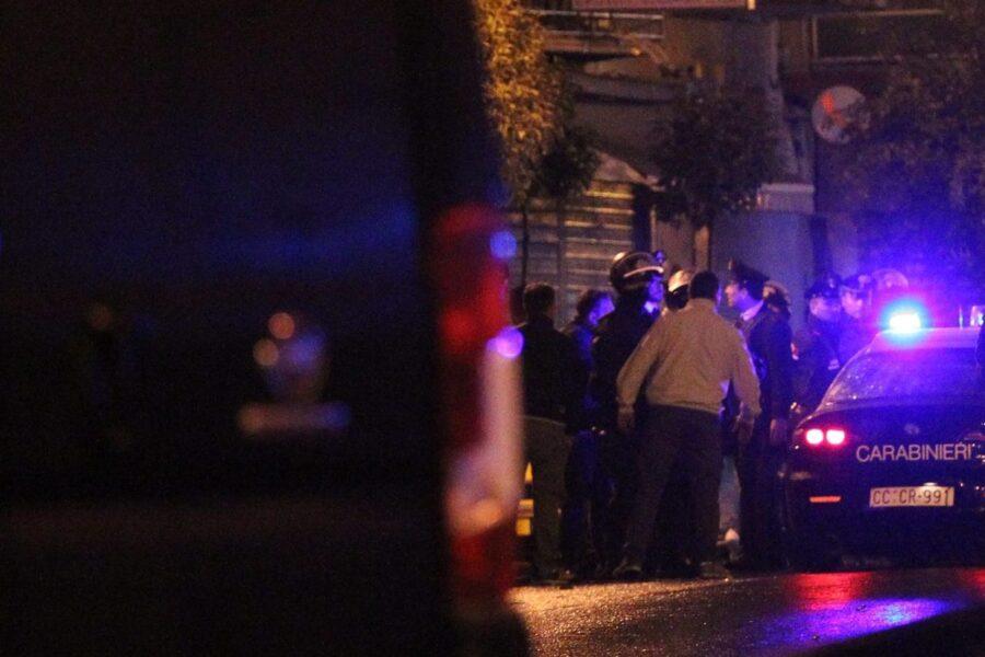 Bomba di camorra esplosa nella notte contro un palazzo, torna l'incubo della 'guerra dello spaccio'