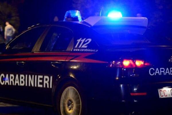 Spacciava droga tra i giocatori minorenni: arrestato allenatore 24enne