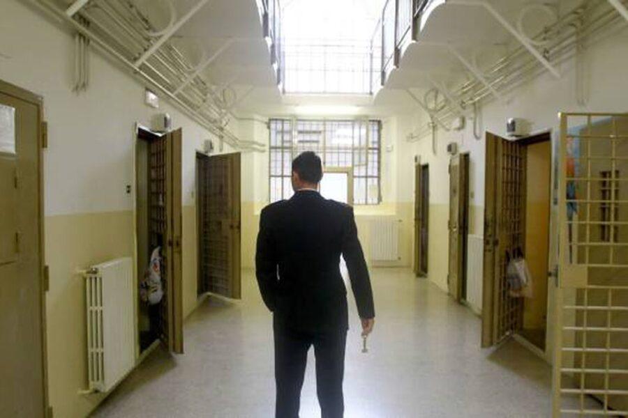 """Posto di polizia penitenziaria in cambio di 8mila euro, il Gip: """"Il mercato all'interno del Tribunale"""""""