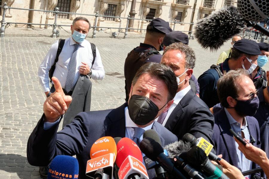 """Conte, faccia a faccia con Draghi: """"Sostegno a piano vaccini e giustizia, ma no a sacche di impunità"""""""