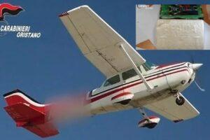 Cocaina lanciata dall'aereo, arrestato il 'corriere dei cieli' in stile Narcos: carico da 9 milioni trovato su un tetto
