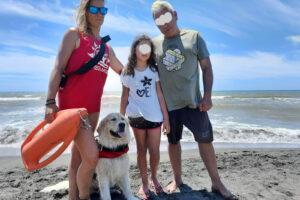 La bambina salvata in mare e il cane bagnino Botch