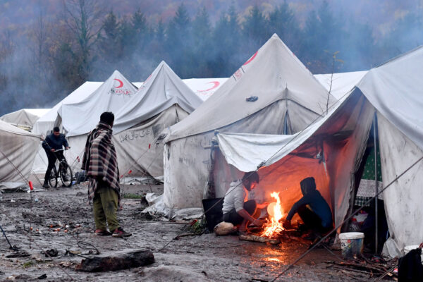 Campo di Lipa, migliaia di migranti ancora rinchiusi nel ghetto bosniaco