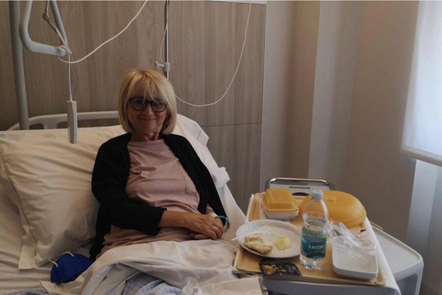 """Come sta Luciana Littizzetto, ricoverata di nuovo in ospedale: """"E sono ancora qui"""""""
