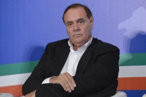 """""""Papa Francesco chieda l'amnistia, il carcere è disumano"""": l'appello di Mastella"""