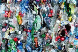 """Appello delle imprese del riciclo della plastica a Draghi: """"Valorizzare i 2,5 miliardi del Pnrr dell'economia circolare"""""""
