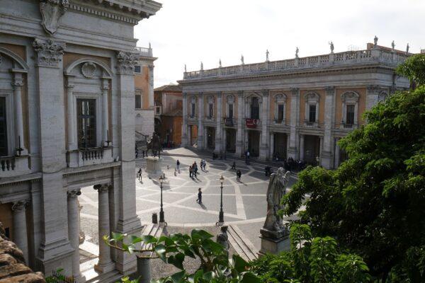 Il cambio di residenza a Roma? Un'odissea. La denuncia choc