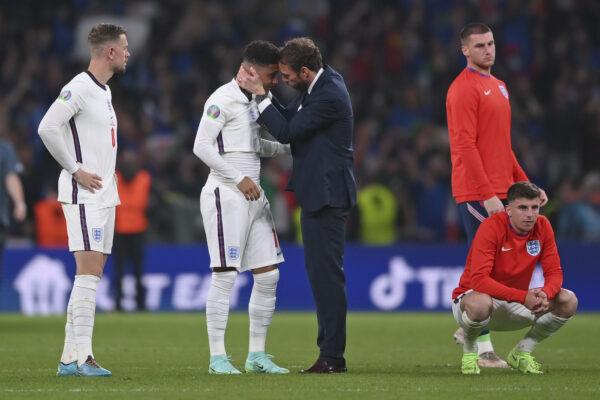 La 'maledizione' di Southgate: la sua Inghilterra perde ai rigori contro l'Italia come nel 1996