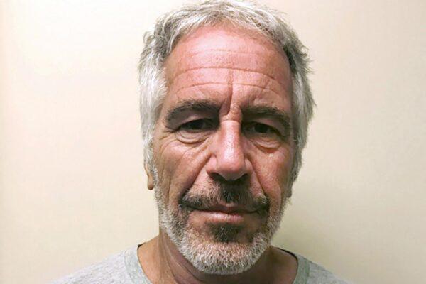 """""""Jeffrey Epstein non si è suicidato"""", la bomba sul miliardario accusato di pedofilia morto in cella"""