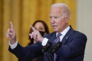 Il disastro Biden in Afghanistan, la ritirata Usa consegnerà Kabul e i suoi narcodollari alla Cina