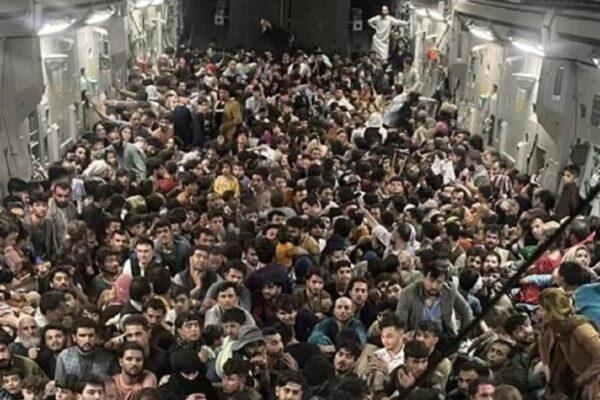Accogliamo i nostri fratelli afghani: li abbiamo traditi, ora non abbandoniamoli