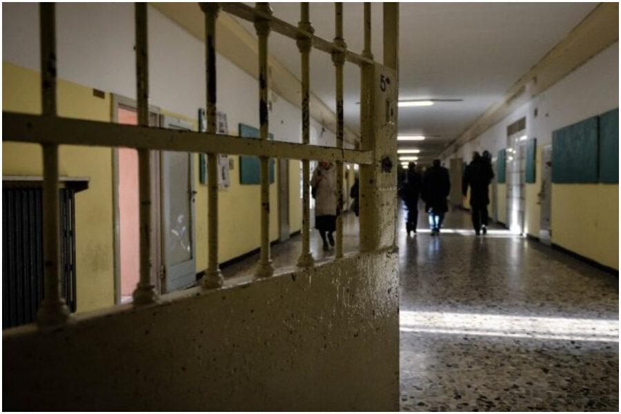 Strage nelle carceri, ma le istituzioni fingono di non vedere