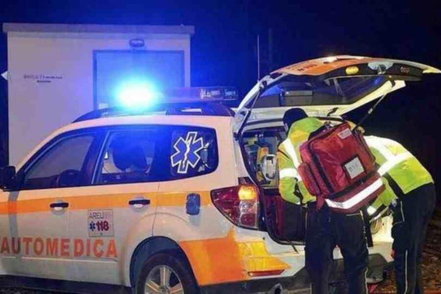 """""""Se muore do fuoco a voi e all'ambulanza"""", parente aggredisce sanitari durante le manovre salvavita"""