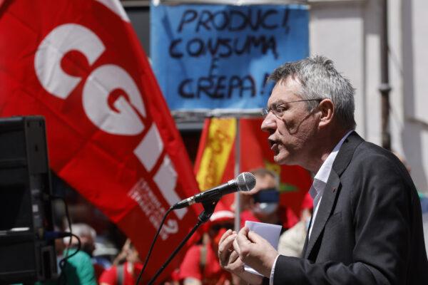 Landini, vaccini e Green Pass: così il sindacato si fa travolgere dal populismo dimenticando la lezione di Marx