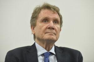 """""""Servirà trattare con i talebani, in Afghanistan gli Usa hanno sbagliato tutto"""", parla Lucio Caracciolo"""