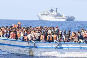 Salviamo i migranti, non spegniamo l'umanità dentro di noi