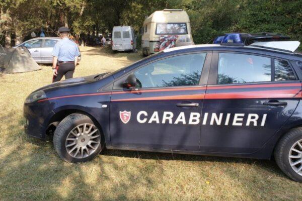 Rave party abusivo sul Vesuvio, centinaia di ragazzi in fuga all'arrivo dei carabinieri